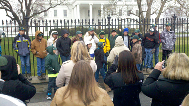 EDUCATIONAL-TOURS-WHITE-HOUSE-GROUP-PHOTO-DC