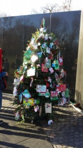 EDUCATIONAL-TOURS-XMAS-TREE-VIETNAM-MEMORIAL